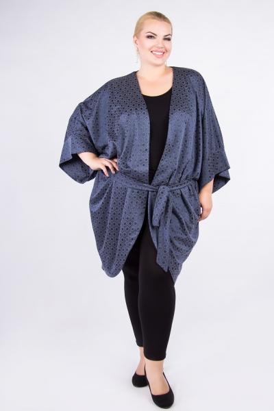 Женский трикотажный халат оригинального кроя, пояс, рукава 3/4, длина до колена.